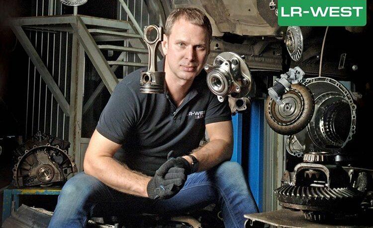 Первая в России интерактивная таблица ТО всех моделей Land Rover