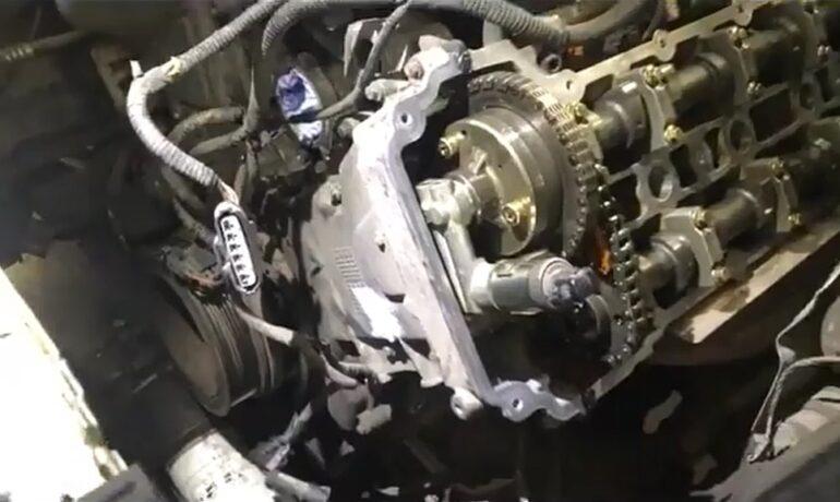 Клапанная крышка на Range Rover 4.4