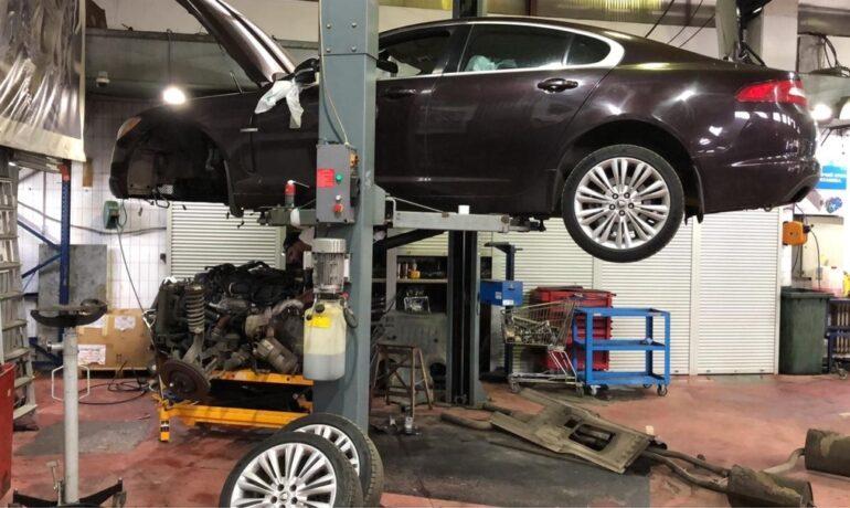 Снятие двигателя с Jaguar XF