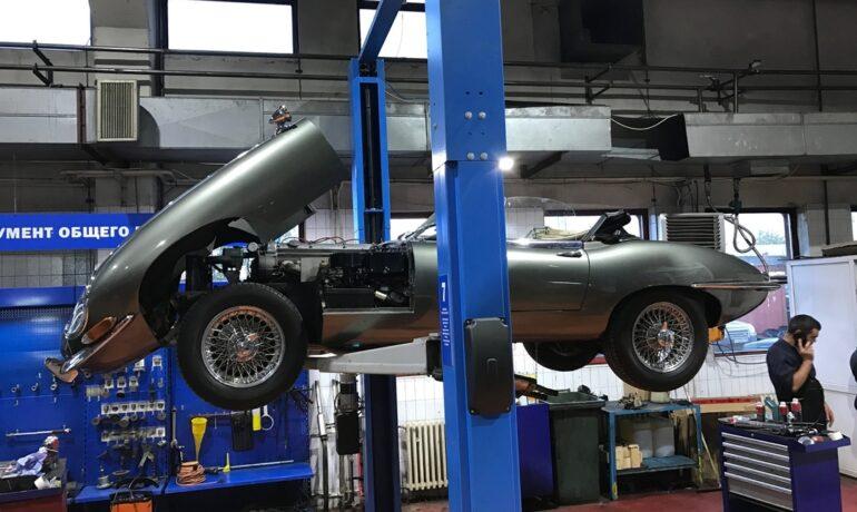 Легендарный Jaguar E-Type