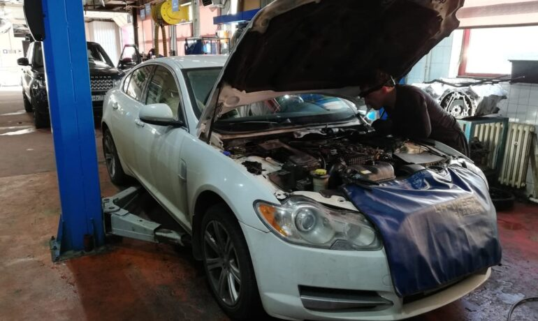 Jaguar XF 3.0 TDV6 - ремень привода ГРМ